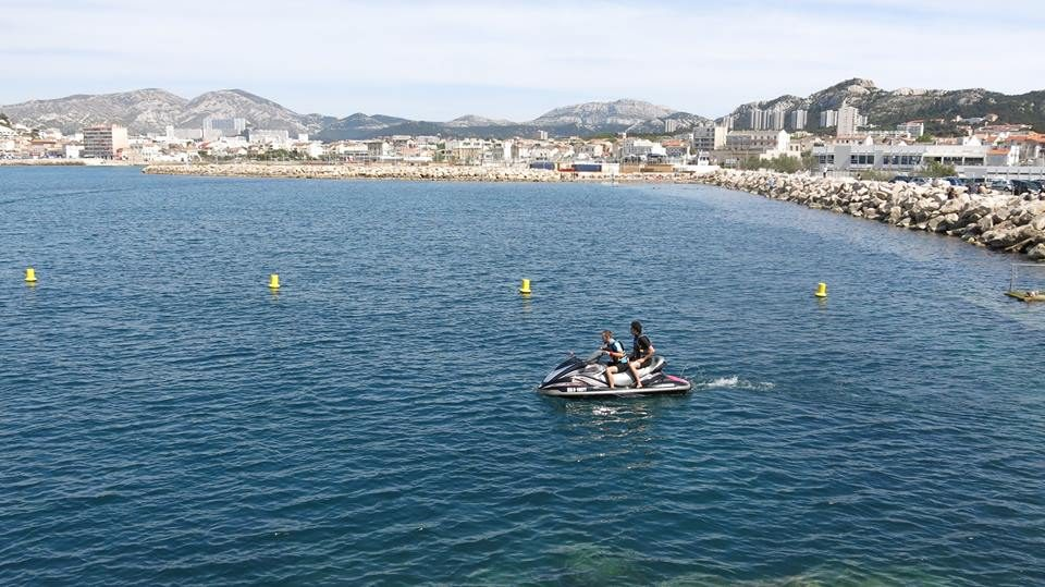 location jet ski low cost marseille jetskilowcost